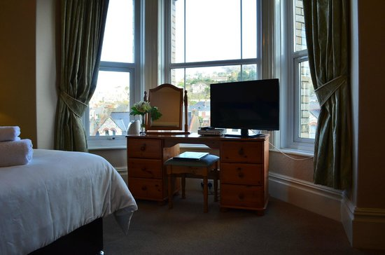 Dorchester Guest House: Superior Room