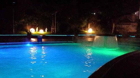 Hotel Mioni Royal San: piscina esterna