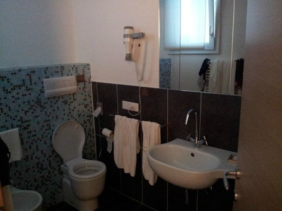Hotel Mioni Royal San: bagno