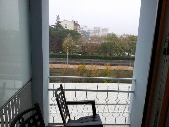 Hotel Mioni Royal San: vista camera su stazione