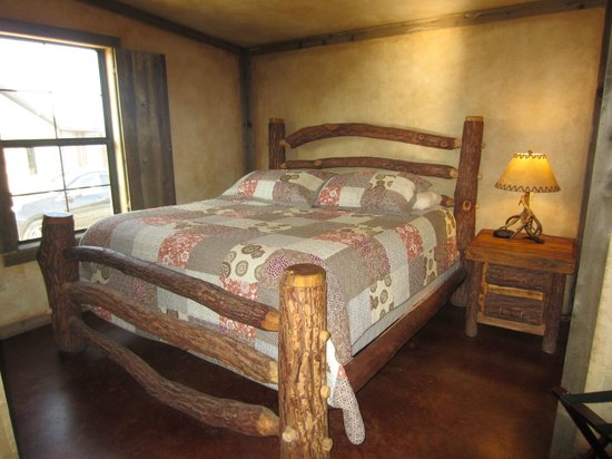 Country Inn & Cottages: our bedroom