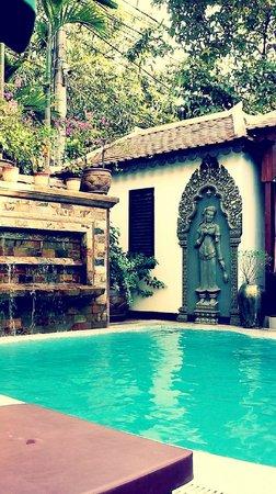 HanumanAlaya Boutique Residence : Pool Area