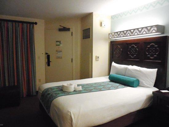 Disney's Coronado Springs Resort: Bedroom view from vanity