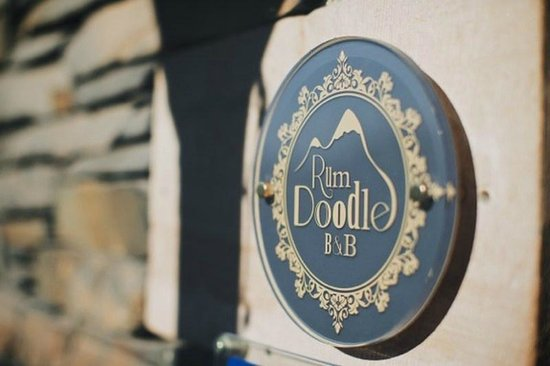Rum Doodle Bed & Breakfast: Sign