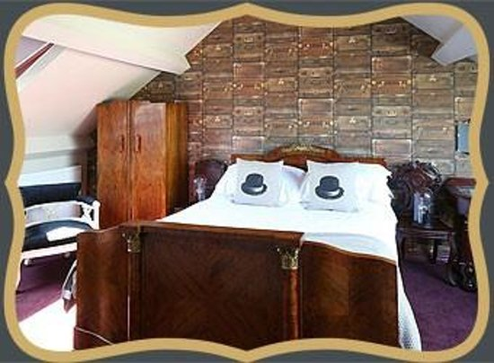 Rum Doodle Bed & Breakfast : Bedroom