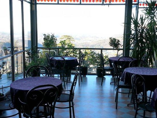 Bellavista Boutique Hotel: Tavolo della colazione con vista mozzafiato