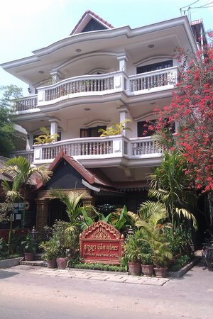 Popular Boutique Hotel : front of hotel