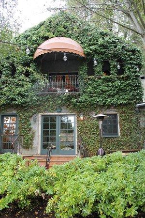 Kenwood Inn and Spa: Kenwood Architecture/Landscape
