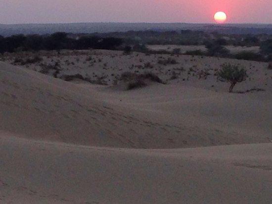 The Gulaal : Sunset in Khuri