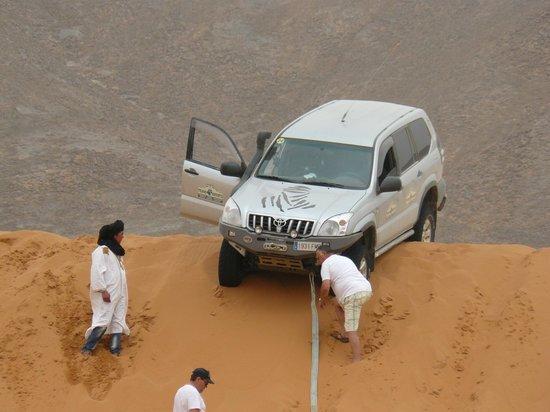 Auberge Hotel Porte De Sahara Ouzina: En las dunas próximas al albergue