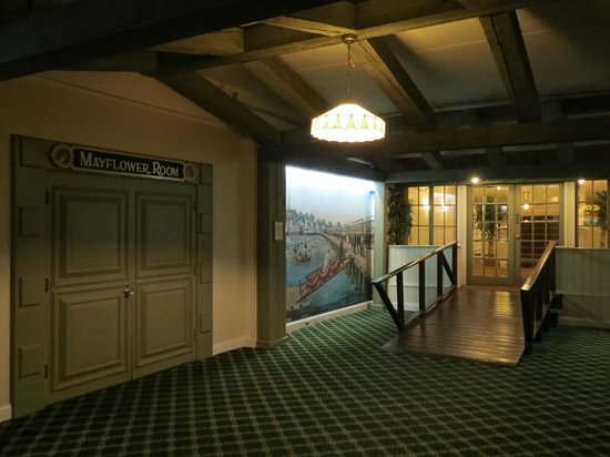 Provincetown Inn Resort & Conference Center: Hallway