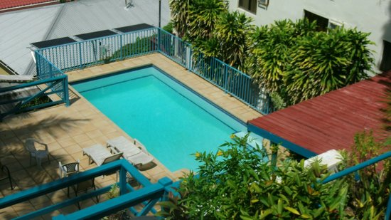 Galleon House Bed & Breakfast : Pool area