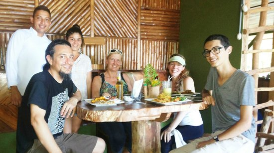 Drakes Kitchen, Casa El Tortugo : having lunch with friends and in the back its the chef Juan Carlos and his wife Teresa