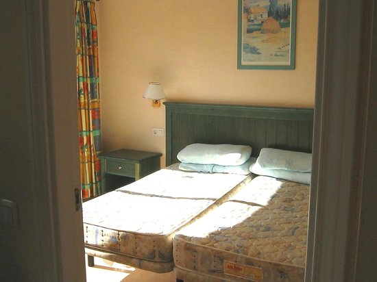 Oasis Village : Bedroom