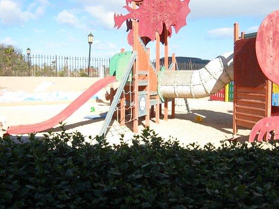 Oasis Village: Kids area