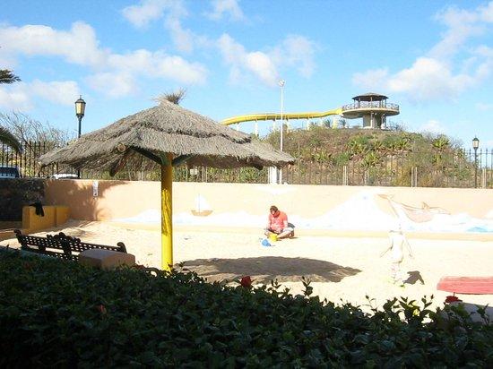Oasis Village: Kids play area