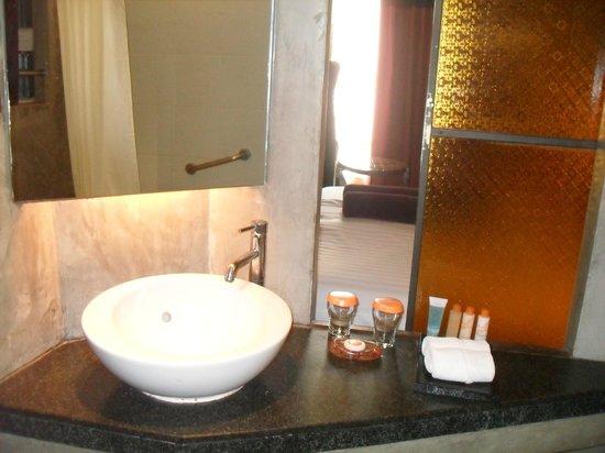 Siam at Siam Design Hotel Bangkok : bathroom