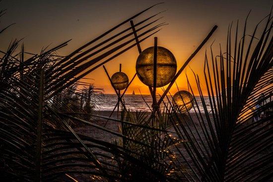 Grand Luxxe Nuevo Vallarta: Beach Party