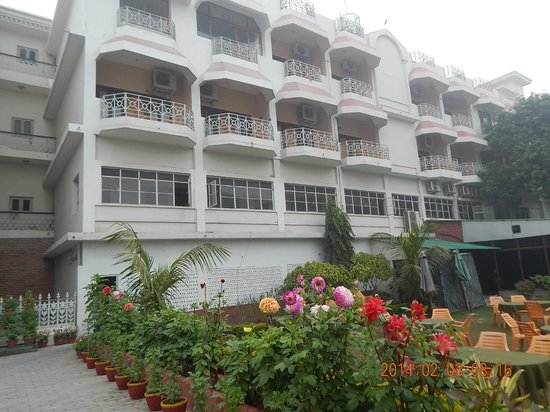Hotel Surya: Hotel Rooms with Balcony