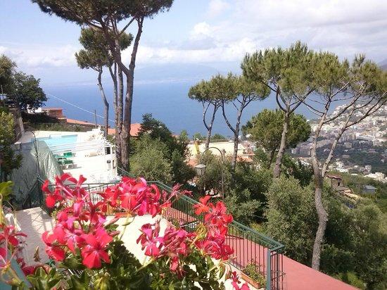 Hotel Residence Le Terrazze: vue de notre chambre