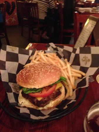 Crescent City Brewhouse : Cheese Burger