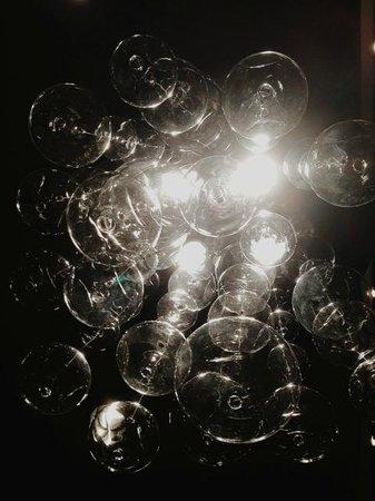 L'Hermitage Hotel: chandelier