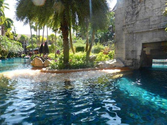 Kata Palm Resort & Spa : Piscine
