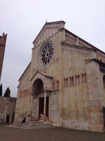 Basilica di San Zeno Maggiore: Bonita iglesia