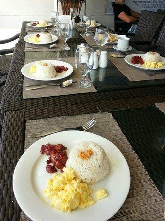 Subic Grand Seas Resort: Breakfast