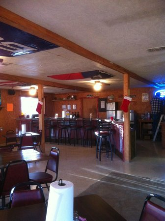 J and P Bar & Grill : Bar Area