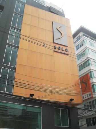 Hotel Solo Sukhumvit 2: outside