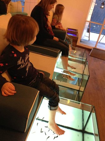 AquaBliss Fish Spa: A memorable 10 minute fish spa experience for my girls