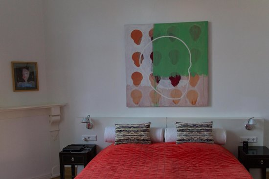 Hotel Dis : Hotelzimmer