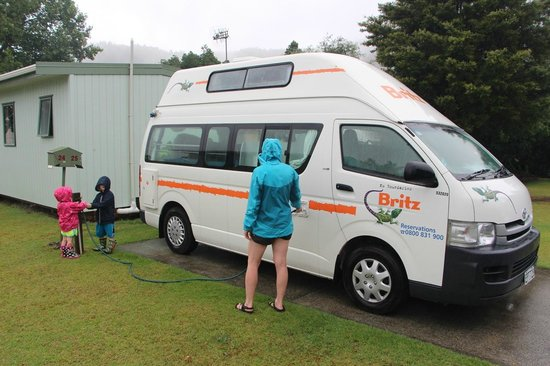 Whangarei TOP 10 Holiday Park: Notre site de camping-car avec eau et électricité