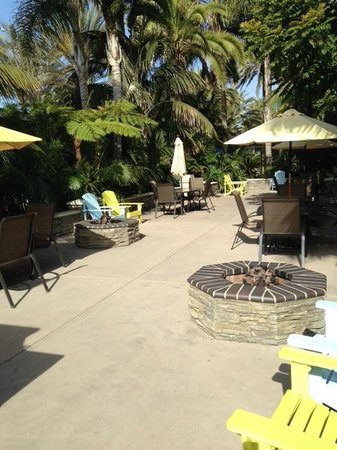 Ocean Palms Beach Resort: Fantastic fire pits!