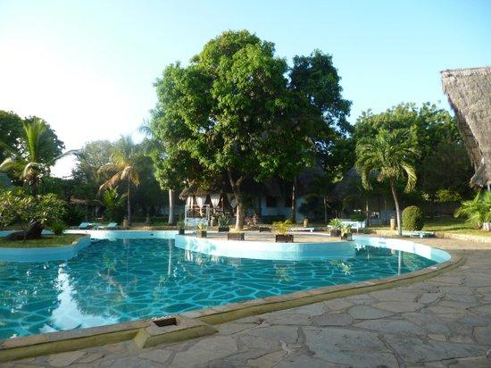 Tamani Jua Tao Resort: piscina