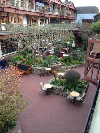 Pine Inn : Shopping