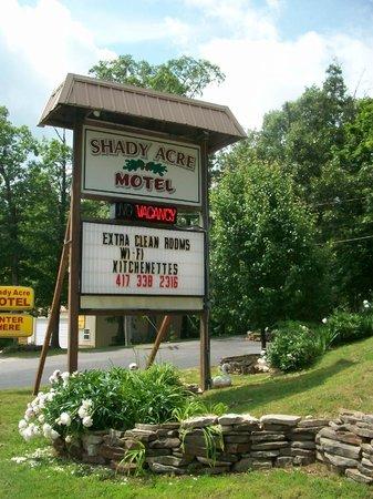 Shady Acre Motel: Sign