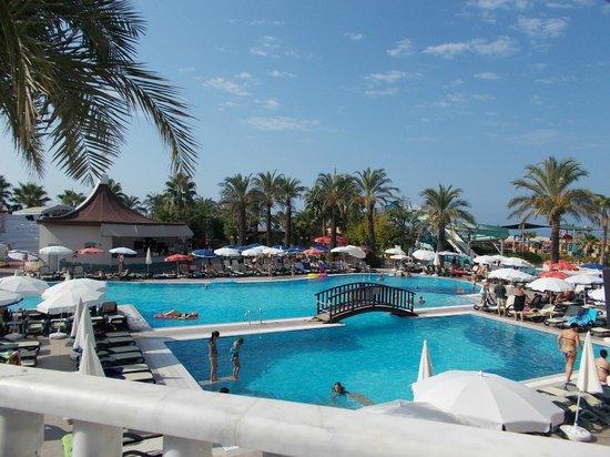 Aydinbey Famous Resort: The awsome pool