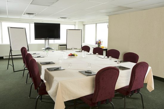 The Business Inn & Suites: Meeting Room