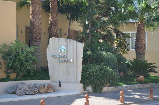 Nefeli Hotel : The hotel from outside