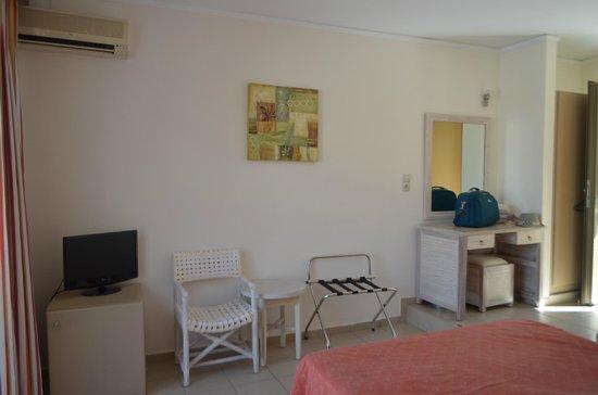 Nefeli Hotel : Room