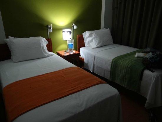 Nazca House: Room