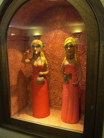 Sandos Finisterra Los Cabos: 6-Interesting statues in ladies room by Tortuga