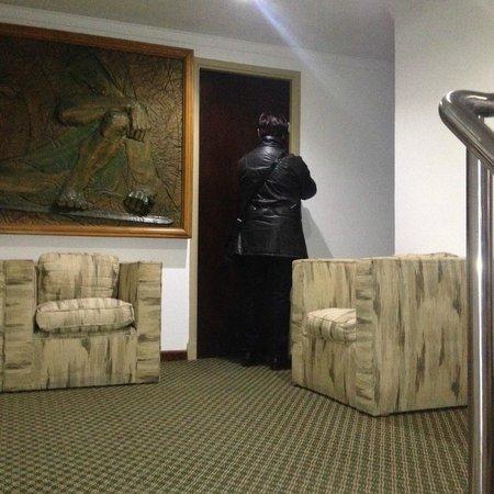 Hotel Neptuno: Hall del 1° piso