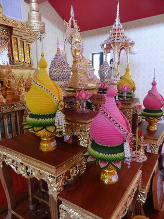 Wat Mongkolrata Temple: Temple