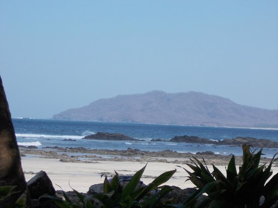 Hotel Tamarindo Diria: The view from the room(Ocean view)