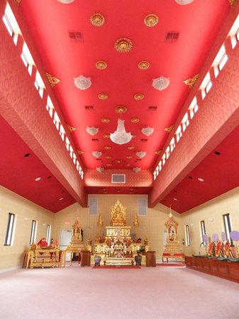 Wat Mongkolrata Temple: interior