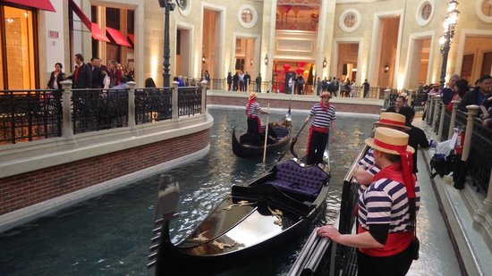 Venetian Resort Hotel Casino: Indoor Gondola Ride