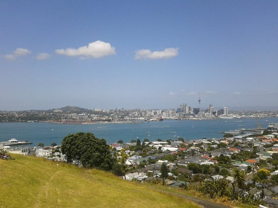Devonport: Auckland from devenport